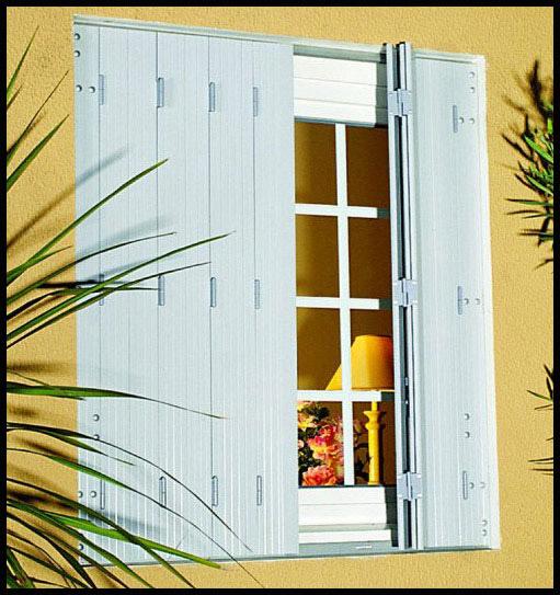 volet pliant pvc decoration maison interieur avec volet. Black Bedroom Furniture Sets. Home Design Ideas